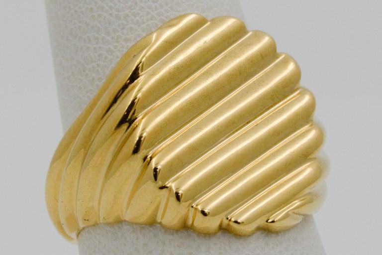 18 Karat Yellow Gold Men's Ridged Ring For Sale 6