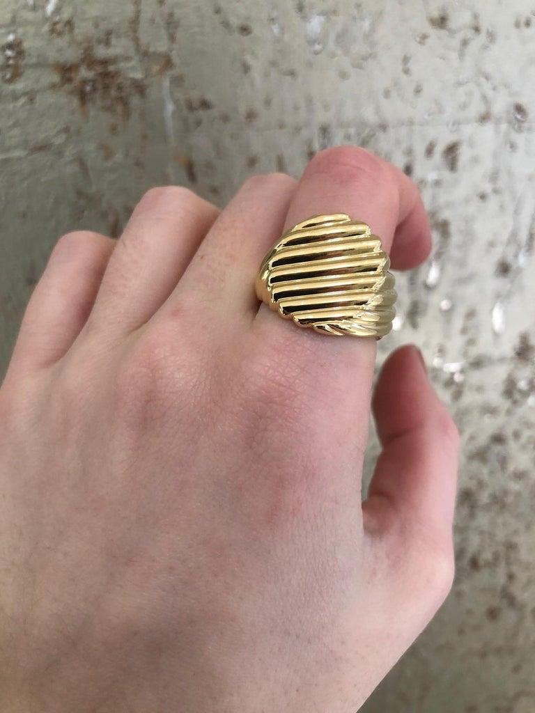 18 Karat Yellow Gold Men's Ridged Ring For Sale 7