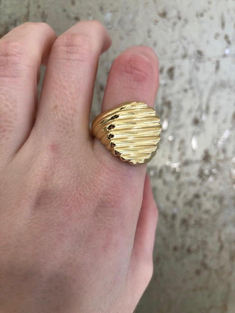 18 Karat Yellow Gold Men's Ridged Ring For Sale 8