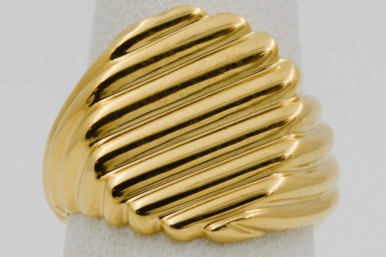 18 Karat Yellow Gold Men's Ridged Ring For Sale 3