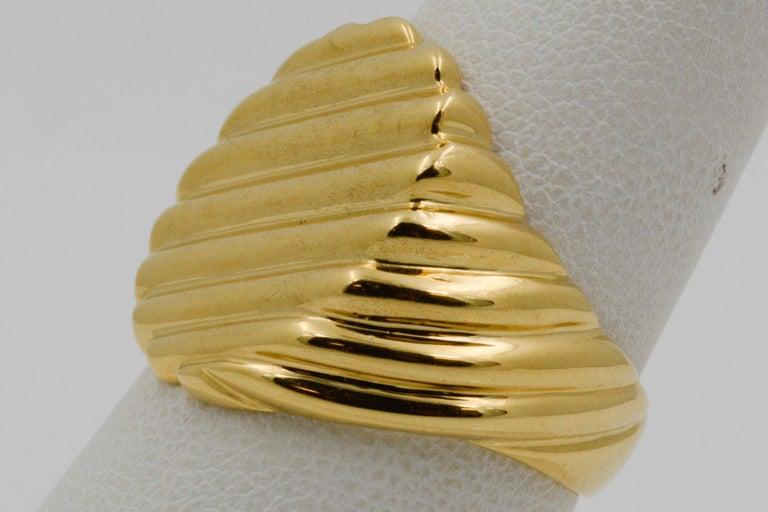 18 Karat Yellow Gold Men's Ridged Ring For Sale 4