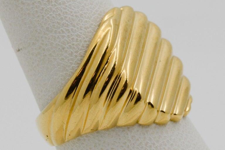 18 Karat Yellow Gold Men's Ridged Ring For Sale 5