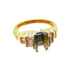 18 Karat Gold Mounting Ring with Baguette Diamonds Carat Total Weight: 1.20