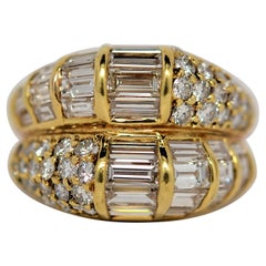 18K Yellow Gold Ring Set with Baguette & Round Brilliant Cut Diamonds, 5.14ct.