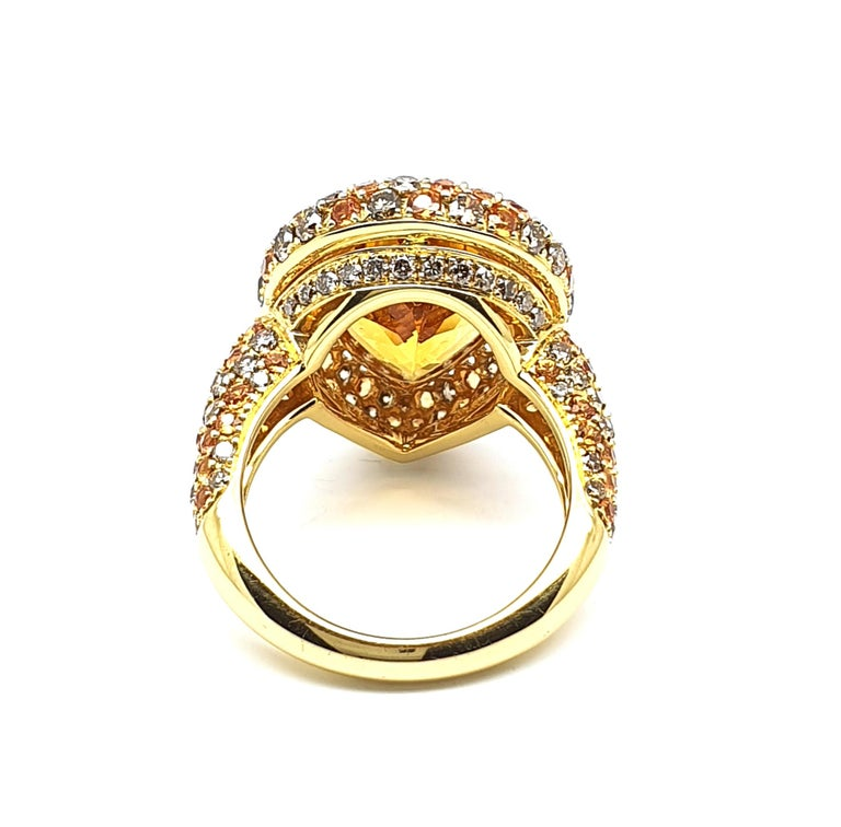 Classical Roman 18K Gold Ring with Pear Shaped 0.83 Carat Citrine, Corund and Brown Diamonds For Sale
