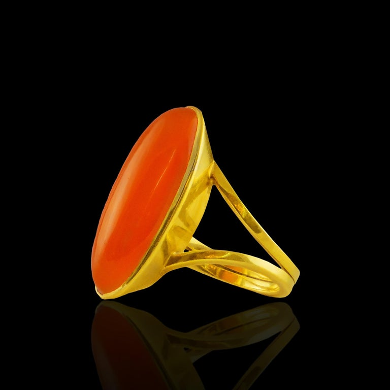 18k Yellow Gold Ring with Agate Stone  - Materials & Techniques: Gold, Agate Stone - Date the piece was created: 20th century - Dimensions: Measure 18 (eu) - Weight: 8.7 gramas (0.31 oz) - Country of Origin: Portugal - Hallmarks of all jewelry