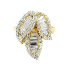 18 Karat Yellow Gold Round and Baguette Diamonds 1.86 Carat Ring