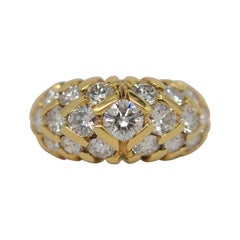18k Yellow Gold & Round Brilliant Cut Diamond Ring, 2.69 Carats