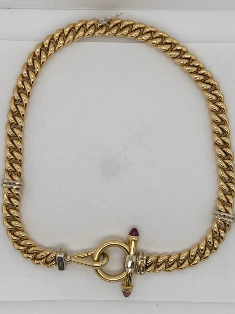 A beautiful 18K yellow gold (with white gold trim) 16.5