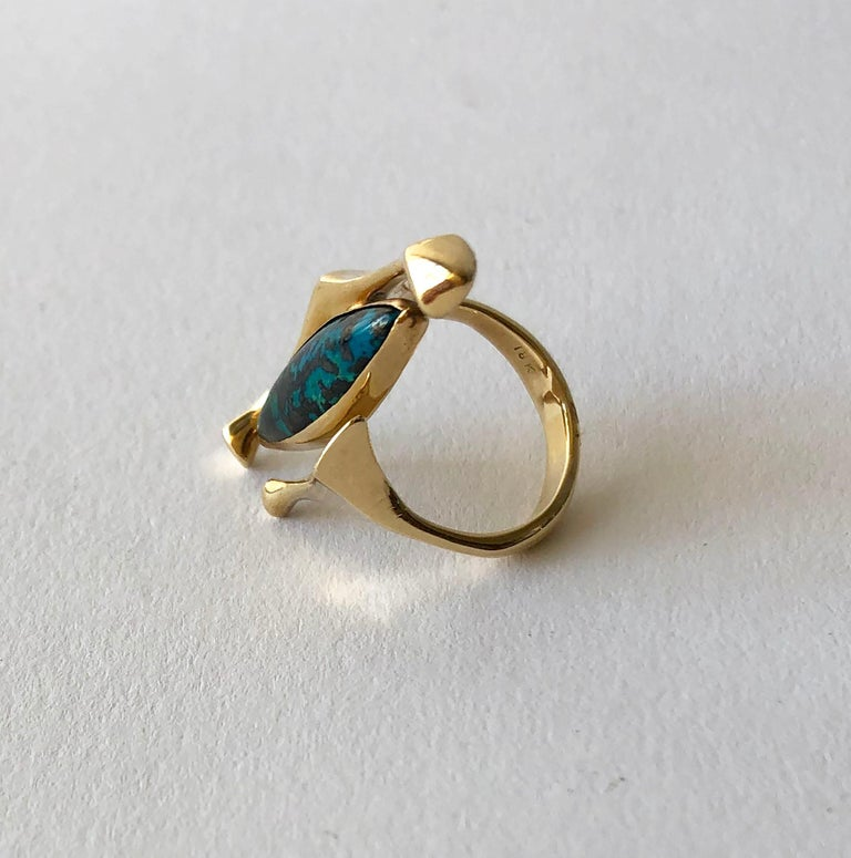 18K Yellow Gold Turquoise American Modernist Ring In Good Condition For Sale In Los Angeles, CA