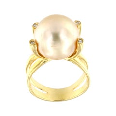 18k Yellow Gold with Golden Pearl and White Diamonds Ring