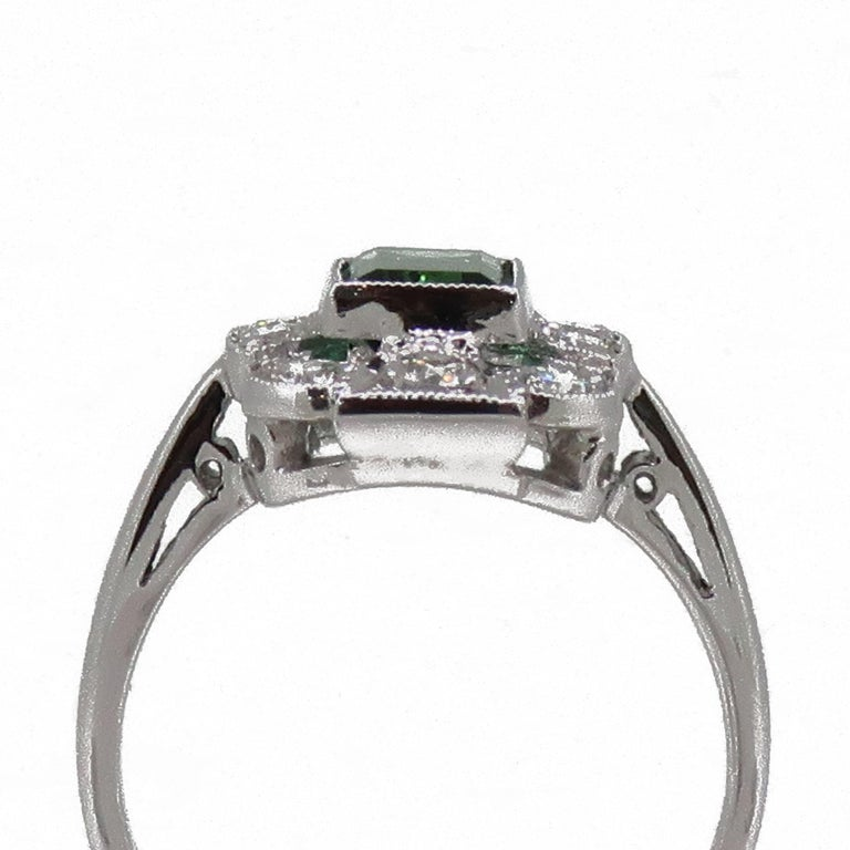18Karat Gold Baguette Cut Green Tourmaline & Diamond Art Deco Style Cluster Ring For Sale 2