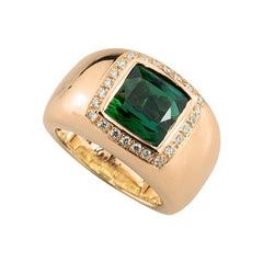 18Karat Rose Gold 5Karat Tourmaline 0.28Karat White Diamond Design Cocktail Ring