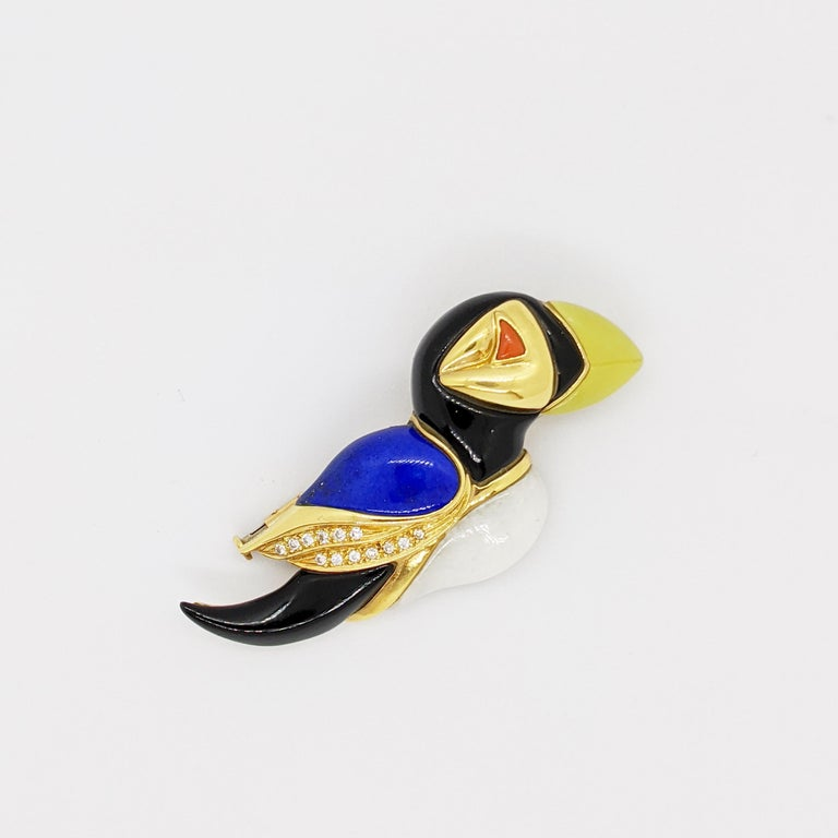 18 Karat Yellow Gold Puffin Brooch with Diamonds, Onyx, Lapis, Jasper & Agate In New Condition For Sale In New York, NY