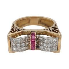 18kt BI Colour Gold Vintage 1940' Ring with Ruby's & 1ct Brilliant Cut Diamonds