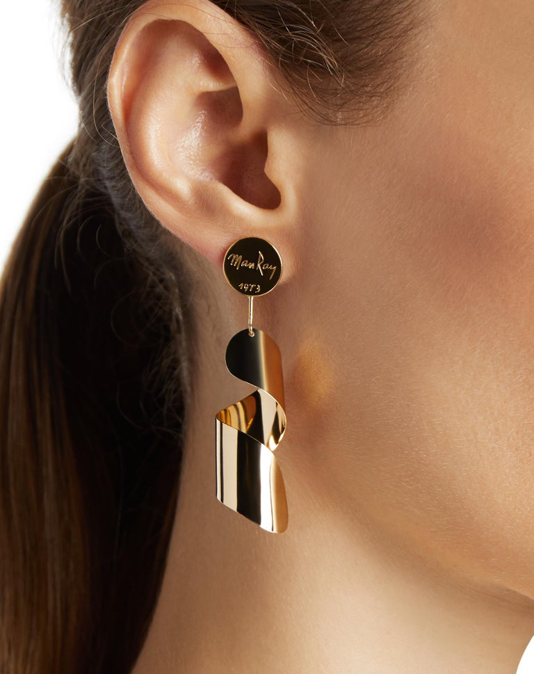 Modern 18kt Fairmined Ecological Yellow Gold Man Ray Drop Lampshade Earrings For Sale