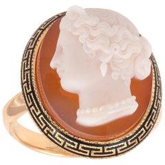 18 Karat Gold Agate Cameo Ring