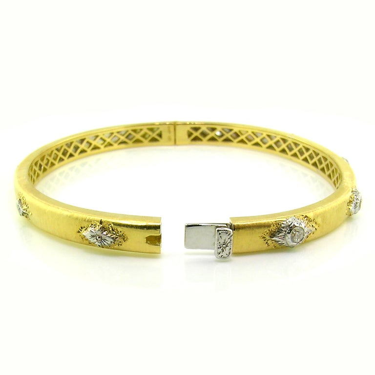 18kt Gold and Diamond Valentina Bangle, Handmade and Engraved in Florence, Italy In New Condition For Sale In Logan, UT
