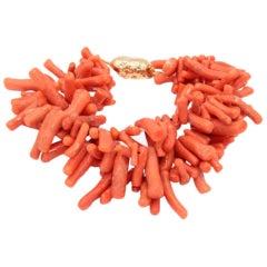 18 Karat Gold Clasp and Coral Bracelet