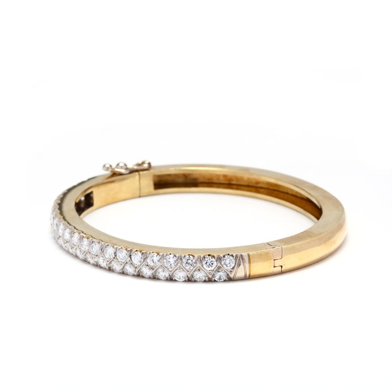 18 Karat Gold and Diamond Bangle In Good Condition For Sale In McLeansville, NC