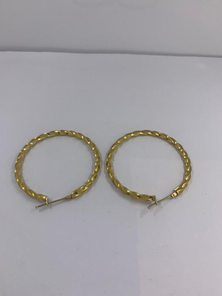 18 Karat Gold Earrings In New Condition For Sale In Wilmington, DE
