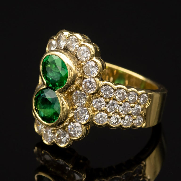 18 Karat Gold Emerald and Diamond Ring In New Condition For Sale In Monte Carlo, MC