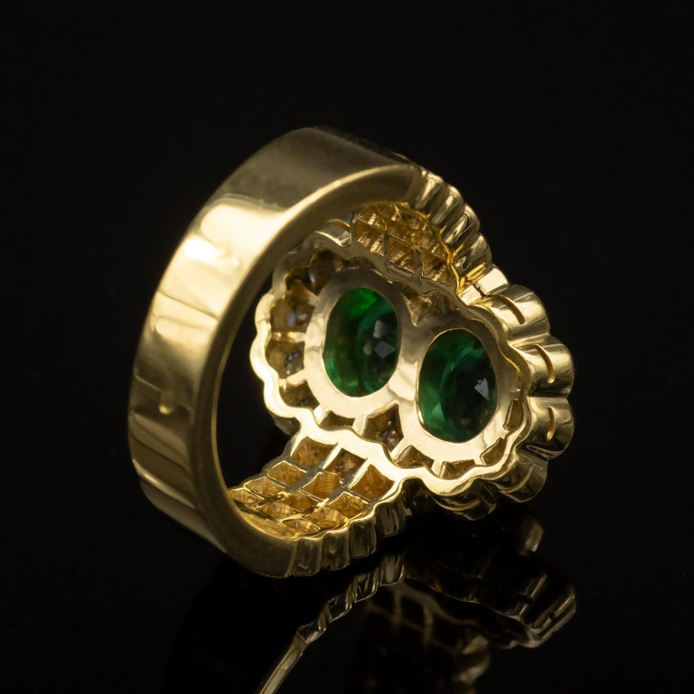 Women's 18 Karat Gold Emerald and Diamond Ring For Sale