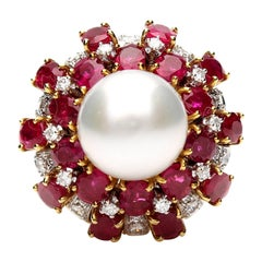18 Karat Gold Ring with Oval Cut Rubies, Diamonds and South Sea Pearl