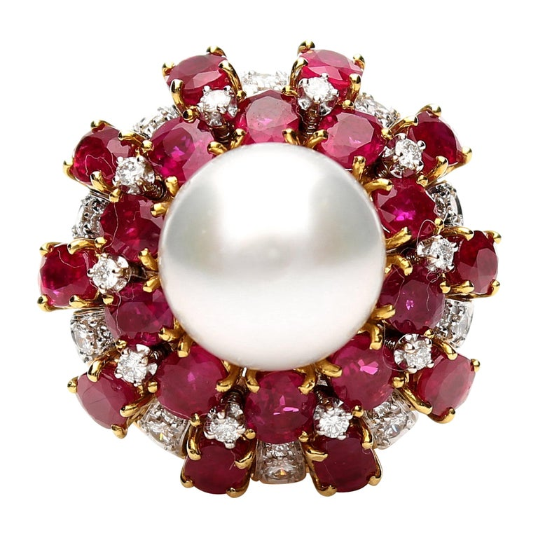 18 Karat Gold Ring with Oval Cut Rubies, Diamonds and South Sea Pearl For Sale