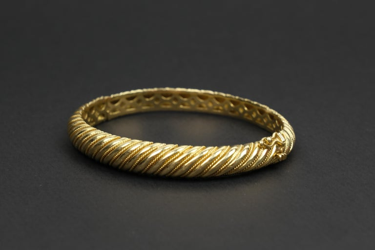 18 Karat Gold Torsade Bracelet For Sale 1