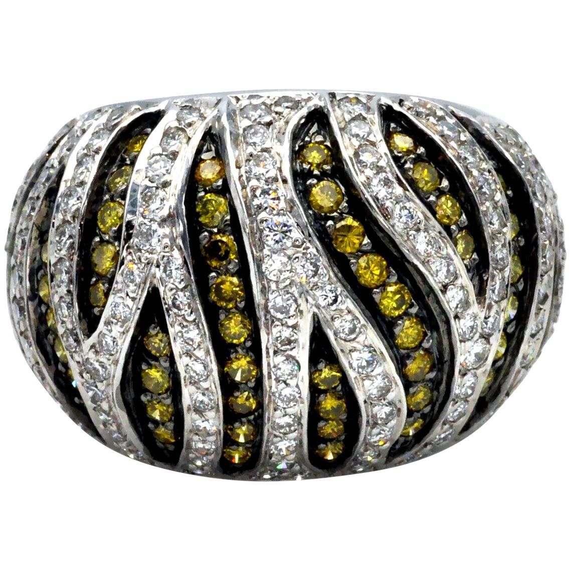 18 Karat Gold White and Yellow Diamond Tiger Ring