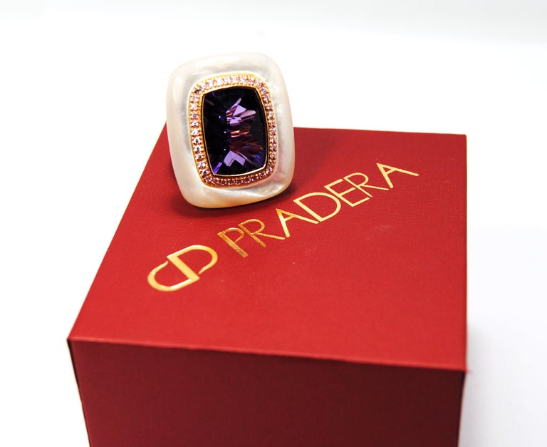 18kt Gold, Amethyst and Mother of Pearl Ring with Frame of 0.20 Carat Diamonds 2
