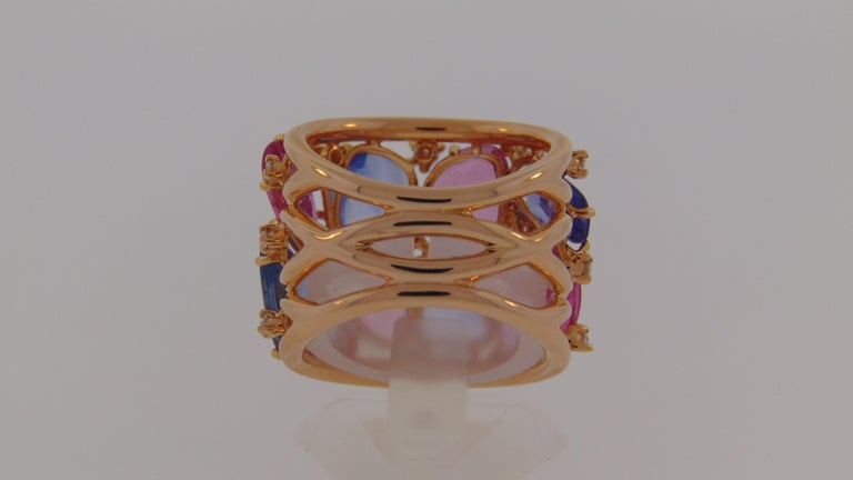 Contemporary 18 Karat Rose Gold Blue and Pink Sapphire Ring with Diamonds For Sale