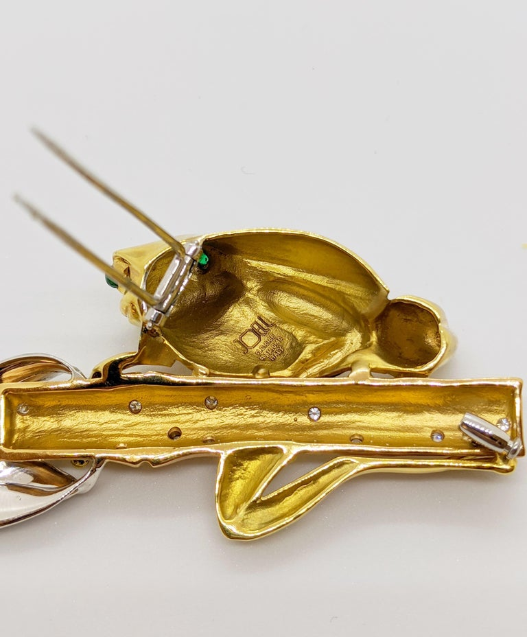 Modern 18 Karat Tri-Colored Gold Frog Brooch with Diamonds and Emeralds For Sale