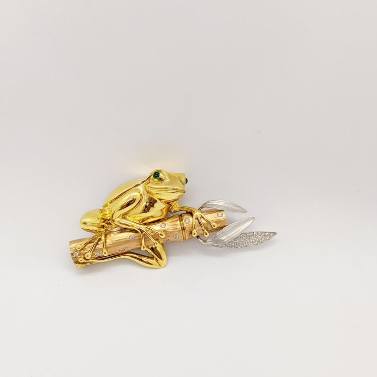 18 Karat Tri-Colored Gold Frog Brooch with Diamonds and Emeralds In New Condition For Sale In New York, NY