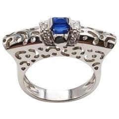 18 Karat White Gold Cocktail Sapphire Ring