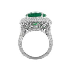 18kt White Gold Double Halo Green Oval Emerald Diamond Ring