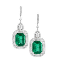 18kt White Gold Earrings with Emerald and Diamonds