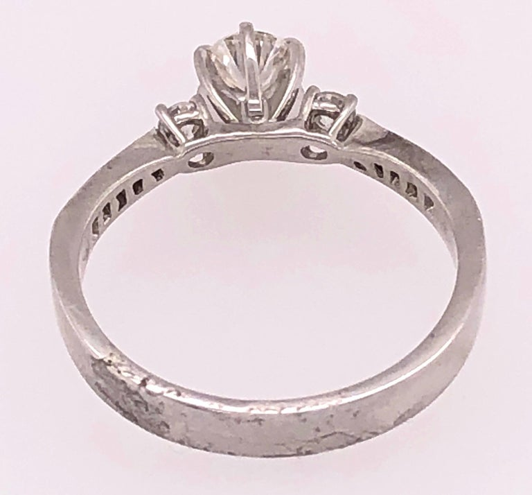 18 Karat White Gold Engagement Ring 1.00 Total Diamond Weight For Sale 8