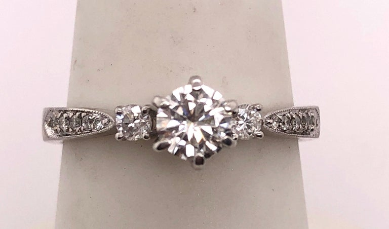 18 Karat White Gold Engagement Ring 1.00 Total Diamond Weight For Sale 1