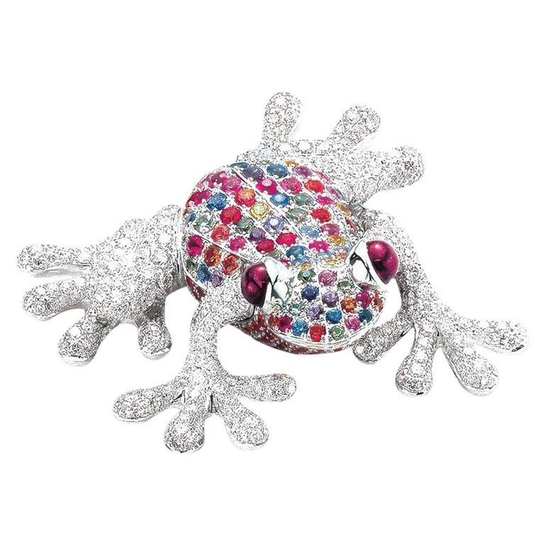 18Kt White Gold Frog Brooch with Diamonds and 6.70 Carat Multicolored Sapphires For Sale