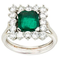 18 Karat Gold Ladies Ring with Natural Colombian 1.43 Carat Emerald and Diamonds