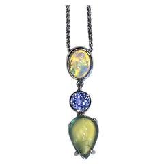 18kt White Gold Pendant with Opal, Sapphire & Phrenite
