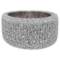 18kt White Gold Ring with 4.22ct Brilliant Cut Diamonds