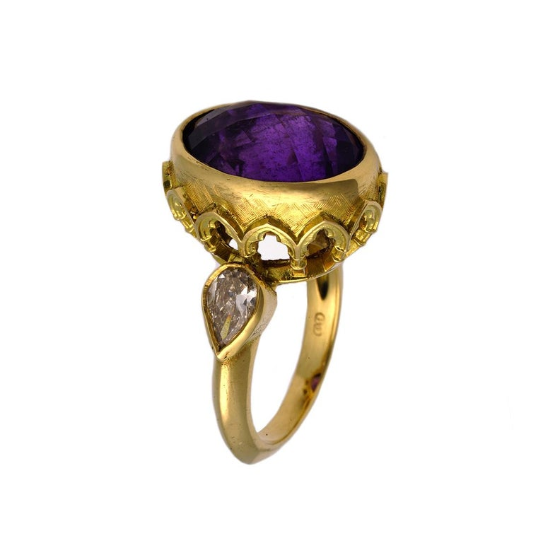 Vivid Splendour Ring in 18 Karat Yellow Gold, Amethyst and Diamonds In New Condition For Sale In Fitzroy, AU