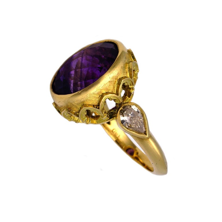 Women's Vivid Splendour Ring in 18 Karat Yellow Gold, Amethyst and Diamonds For Sale