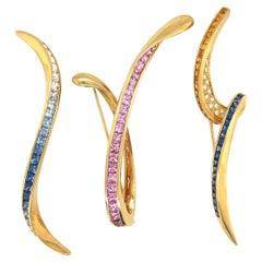 18KT Yellow Gold 3.10Ct Blue & Yellow Sapphire Ribbon Brooch