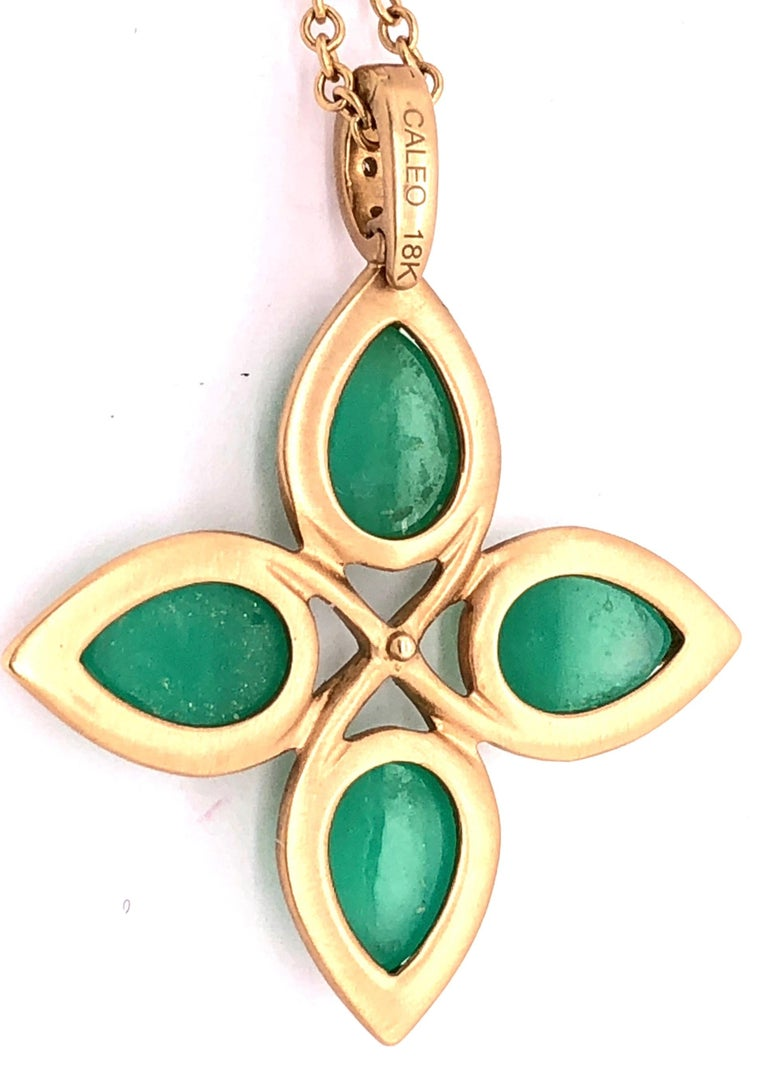 Modern 18 Karat Yellow Gold Caleo Chrysoprase Pendant Necklace For Sale