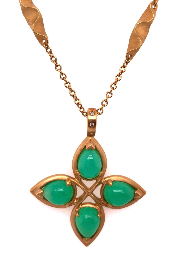 18 Karat Yellow Gold Caleo Chrysoprase Pendant Necklace For Sale 3