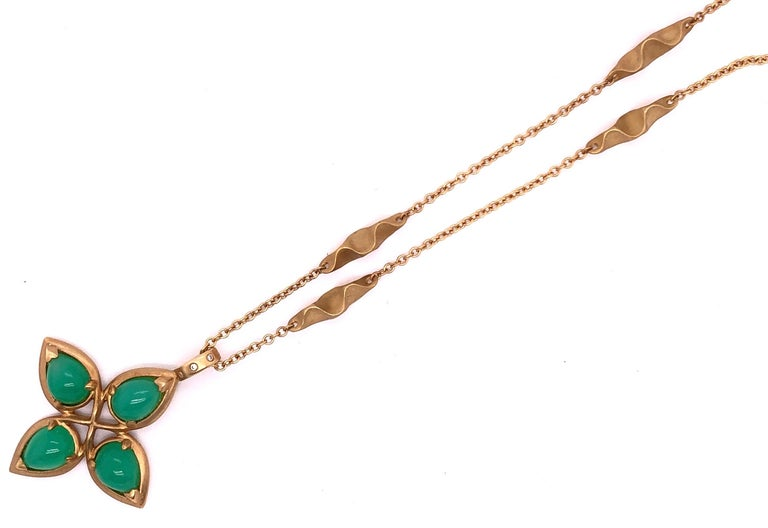 18 Karat Yellow Gold Caleo Chrysoprase Pendant Necklace For Sale 4